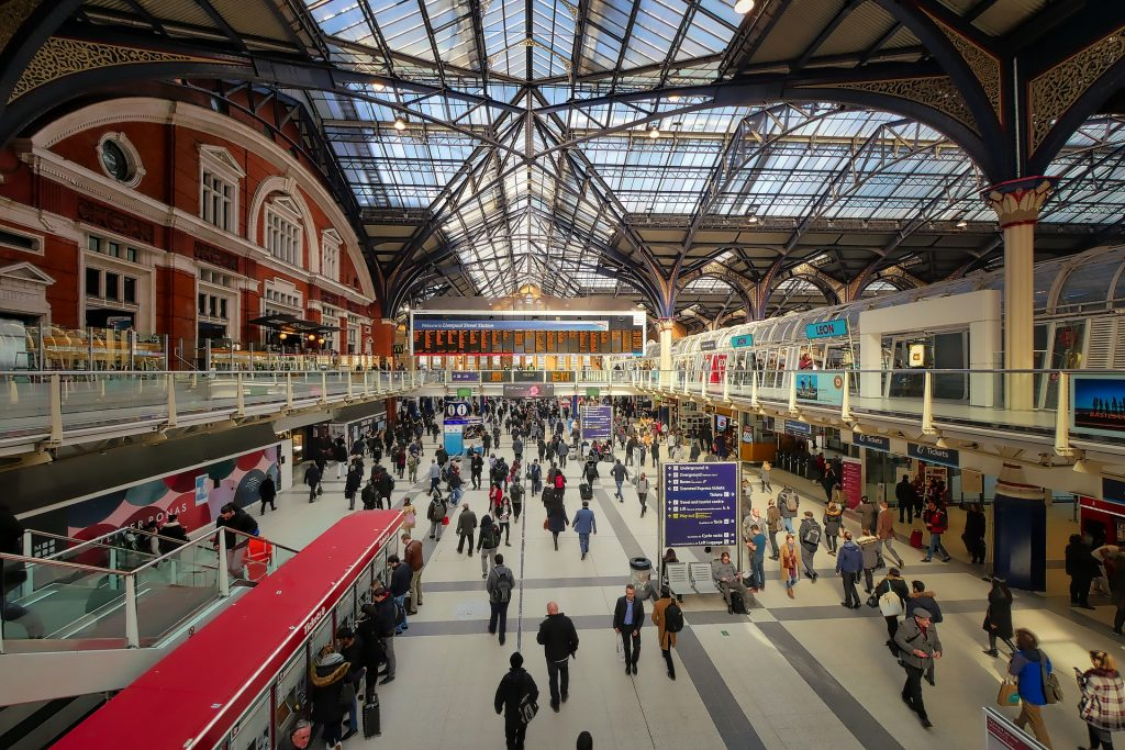 Workers commuting in Liverpool Street Station